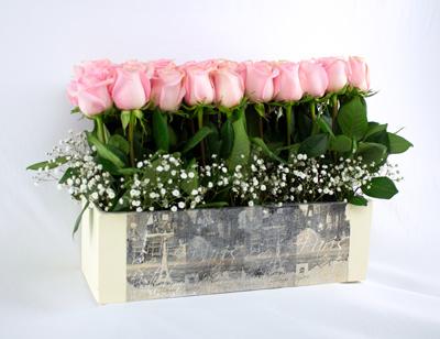 Jardinera de rosas pastel