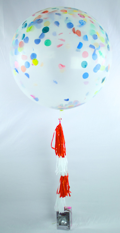 Globo gigante con helio y chocolate kisses