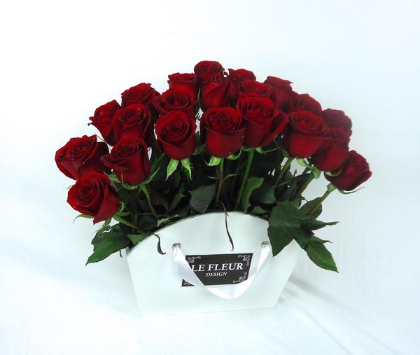 Base tipo abanico con rosas