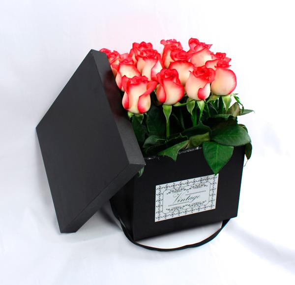 Caja vintage con rosas