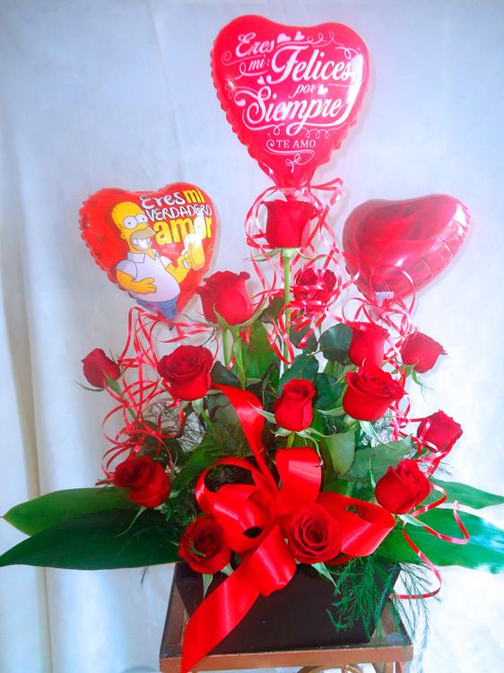 Rosas rojas en base color chocolate