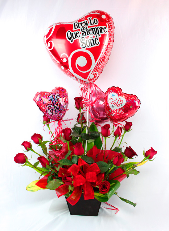 Rosas rojas con globos