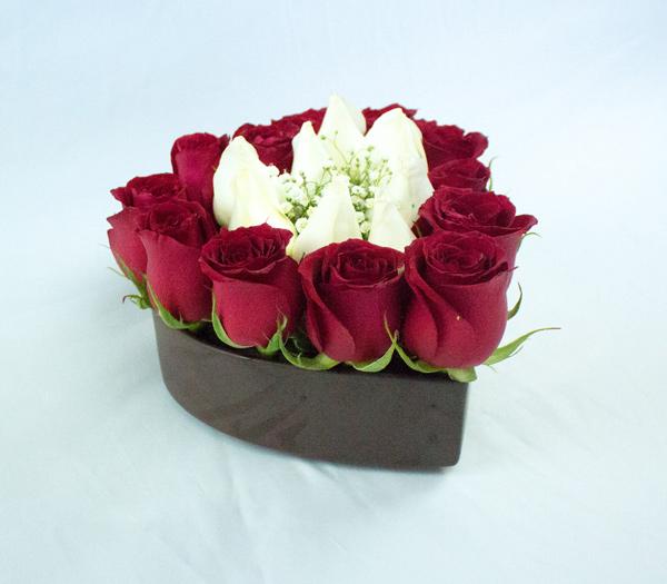Corazón chico con rosas