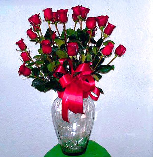 Tibor de cristal con rosas