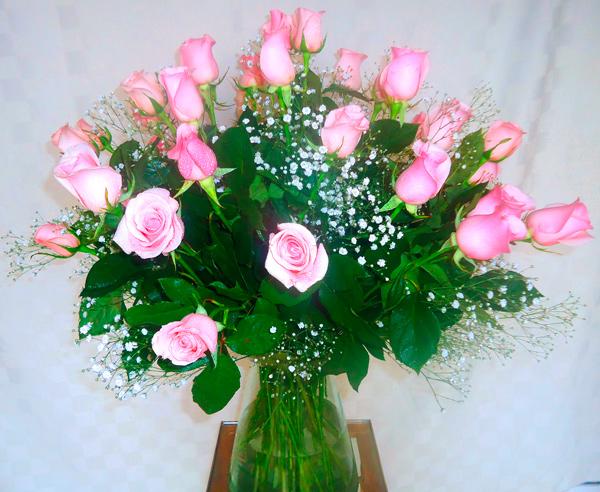 Rosas coral en base de cristal