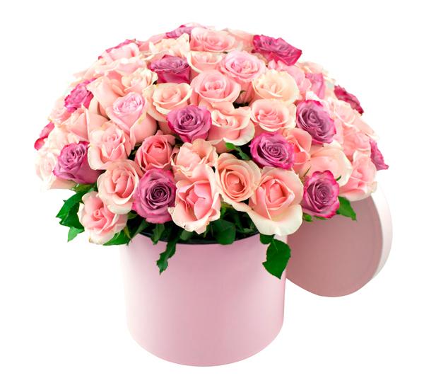 Bouquet redondo de rosas bombón y lilas